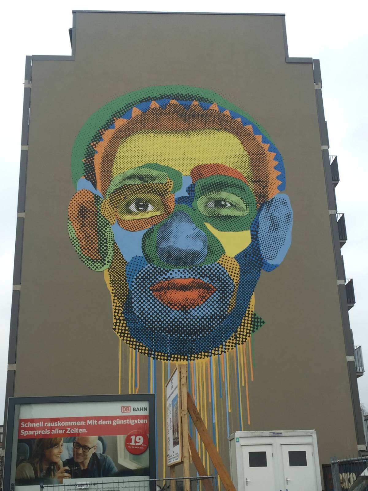 Face Time – Various and Gould - street art berlino
